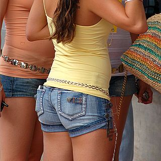 tn 12 Hotties in jeans shorts